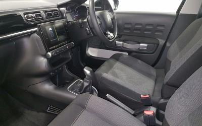 car-inside-gear-steering-wheel-side